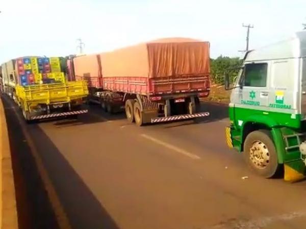 Bloqueio em rodovia dificulta chegada de socorro e criança morre em aldeia