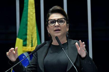 Senadora Kátia Abreu quer CNH grátis e fim de autoescola obrigatória Geraldo Magela/Agência Senado