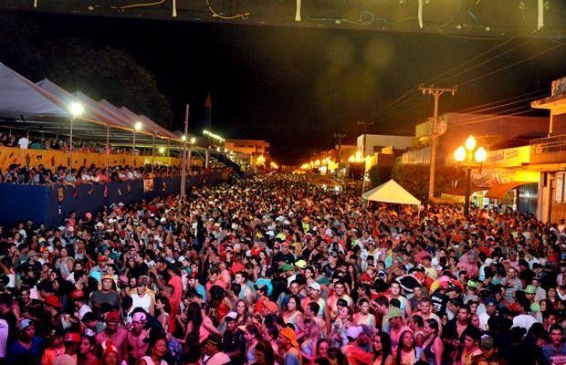 Carnaval em Fátima do Sul já atraiu 40 mil pessoas por noite. (Divulgação Prefeitura)
