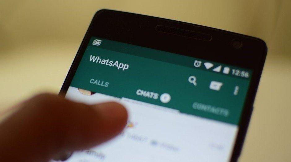Homem envia nudes no celular de adolescente e se justifica dizendo ser 'delegado'