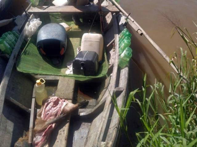 Capivara abatida foi encontrada em embarcação abandonada (Foto/Divulgação)