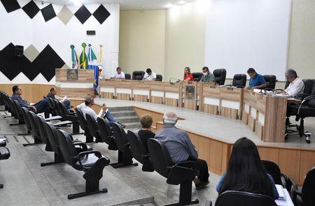 Sessão onde foi aprovado reajuste no salário dos vereadores. (Divulgação)