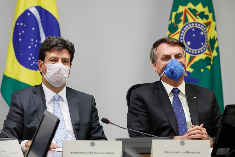 Bolsonaro já tem dois nomes para substituir Mandetta