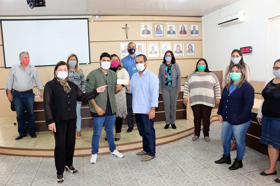 Câmara de Porto Murtinho entregou hoje ao município R$20 mil para compras de máscaras