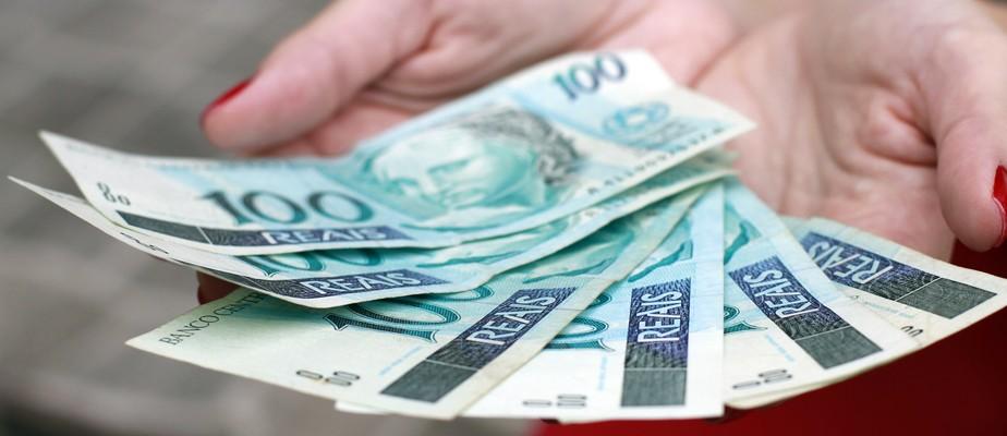 Entenda: quem recebeu auxílio de R$ 600 pode ter que devolver dinheiro no ano que vem