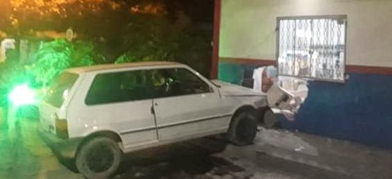 Motorista perde controle e invade loja de materiais de construção em Porto Murtinho