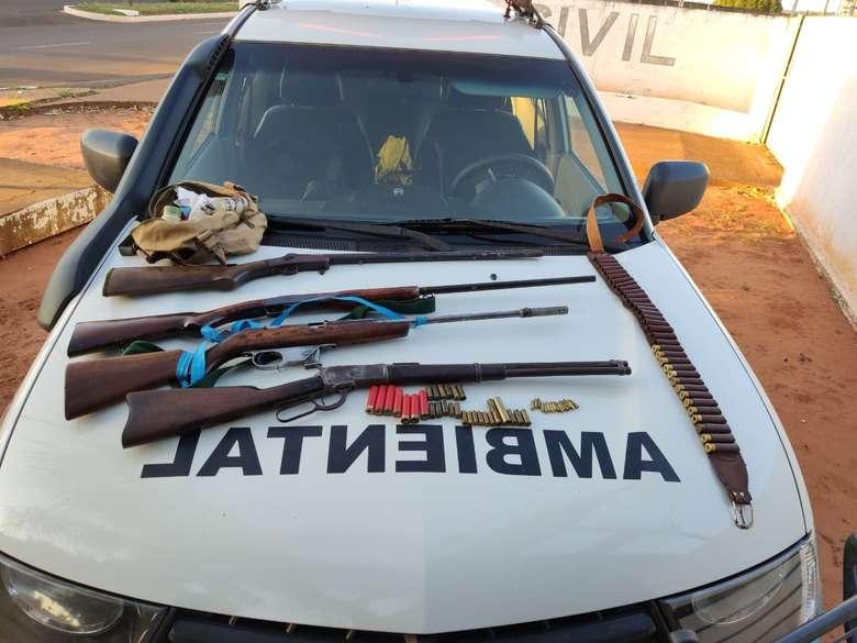 Denúncia termina com a prisão de caçador com rifles e munições