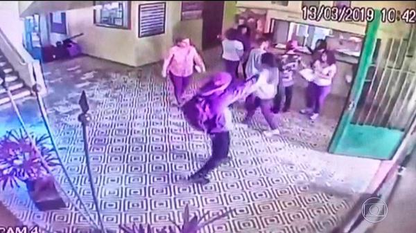 Massacre em Suzano: Vídeo mostra momento do ataque dentro da escola Raul Brasil