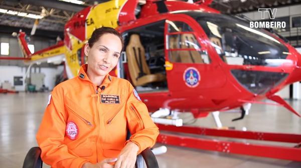 A comandante Karla Lessa a primeira mulher do Brasil a pilotar helicópteros (Brumadinhos)
